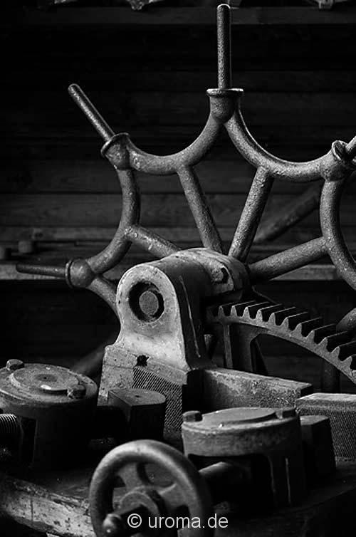 altes-drehwerkzeug-drehrad