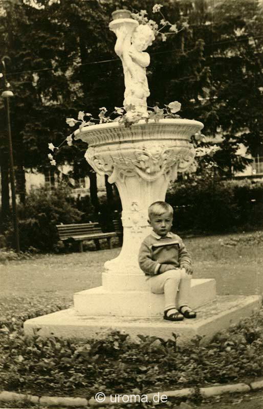 small-boy-with-water