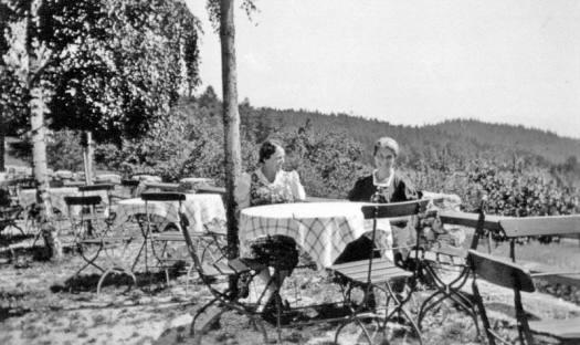 beim-gasthaus-1934