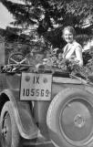 frau-oldtimer-1933