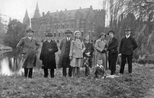 familienfoto-schloss-1912