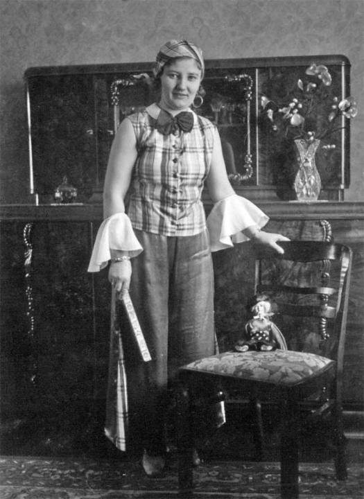 frauen-portrait-1900