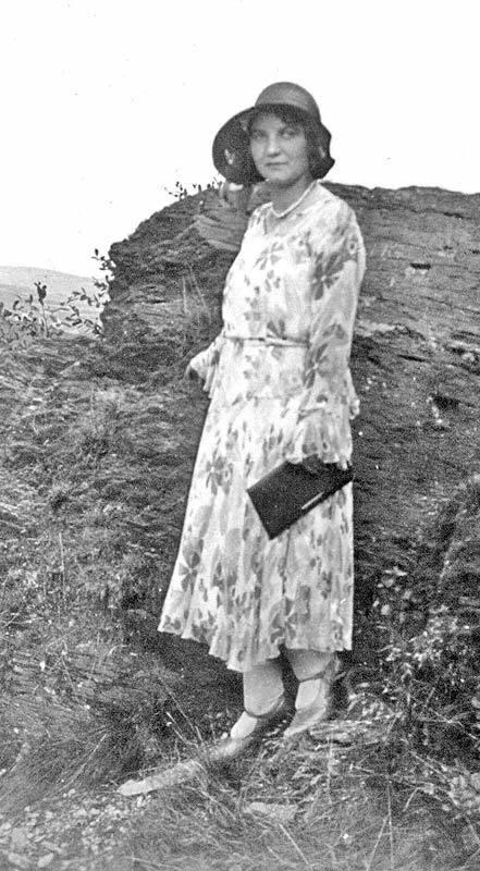 spaziergang-frau-1916
