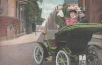 oldtimer-frau-winkt-1907-an